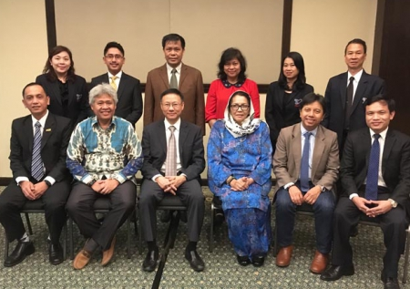 RADM Wachara Karunyavanij, Deputy Director of ONESQA in the capacity of President of AQAN chaired the ASEAN Quality Assurance Network (AQAN) Executive Committee Meeting (ECM) No. 1/2017 at Hilton Petaling Jaya Hotel, Kuala Lumpur, Malaysia.